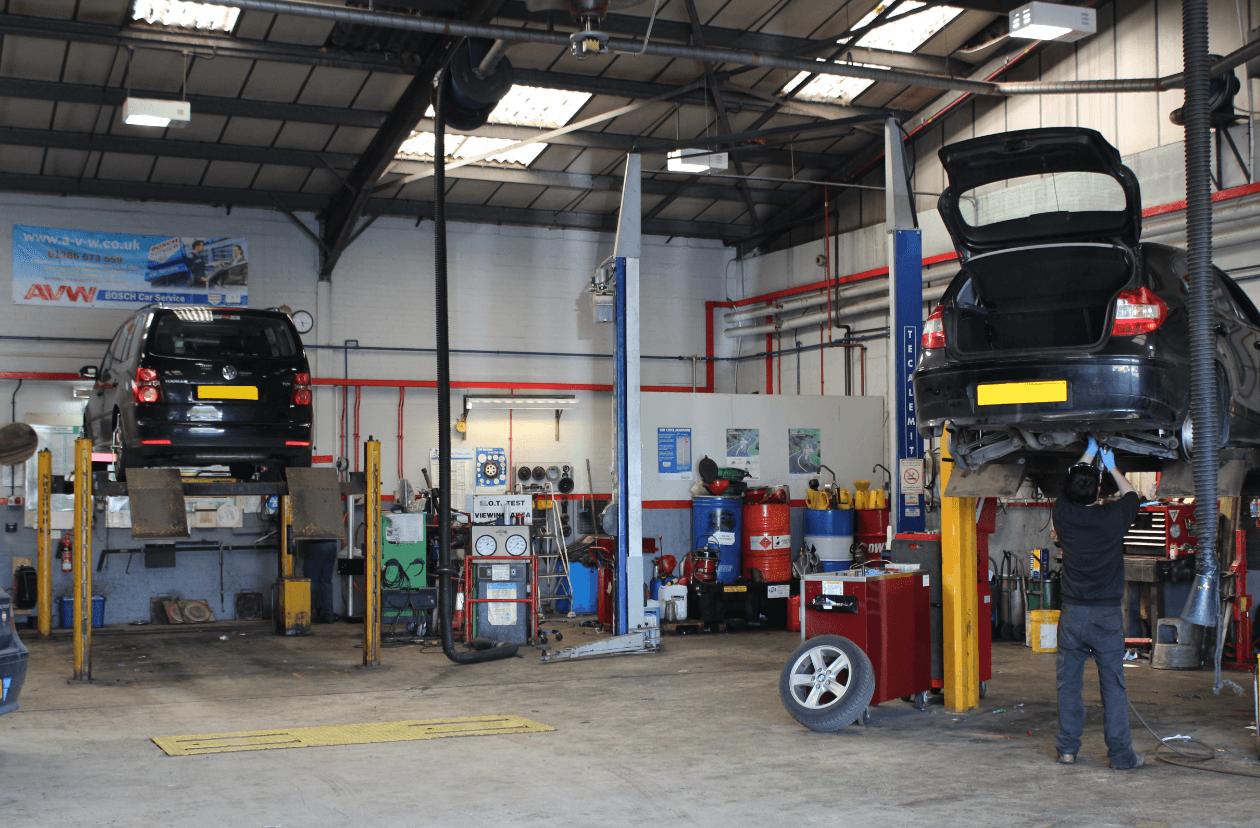 A v w bosch car service car repair and mot in caernarfon for Garage villeneuve auto service