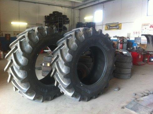 gomme, pneumatici, macchine agricole, Tarquinia, Viterbo