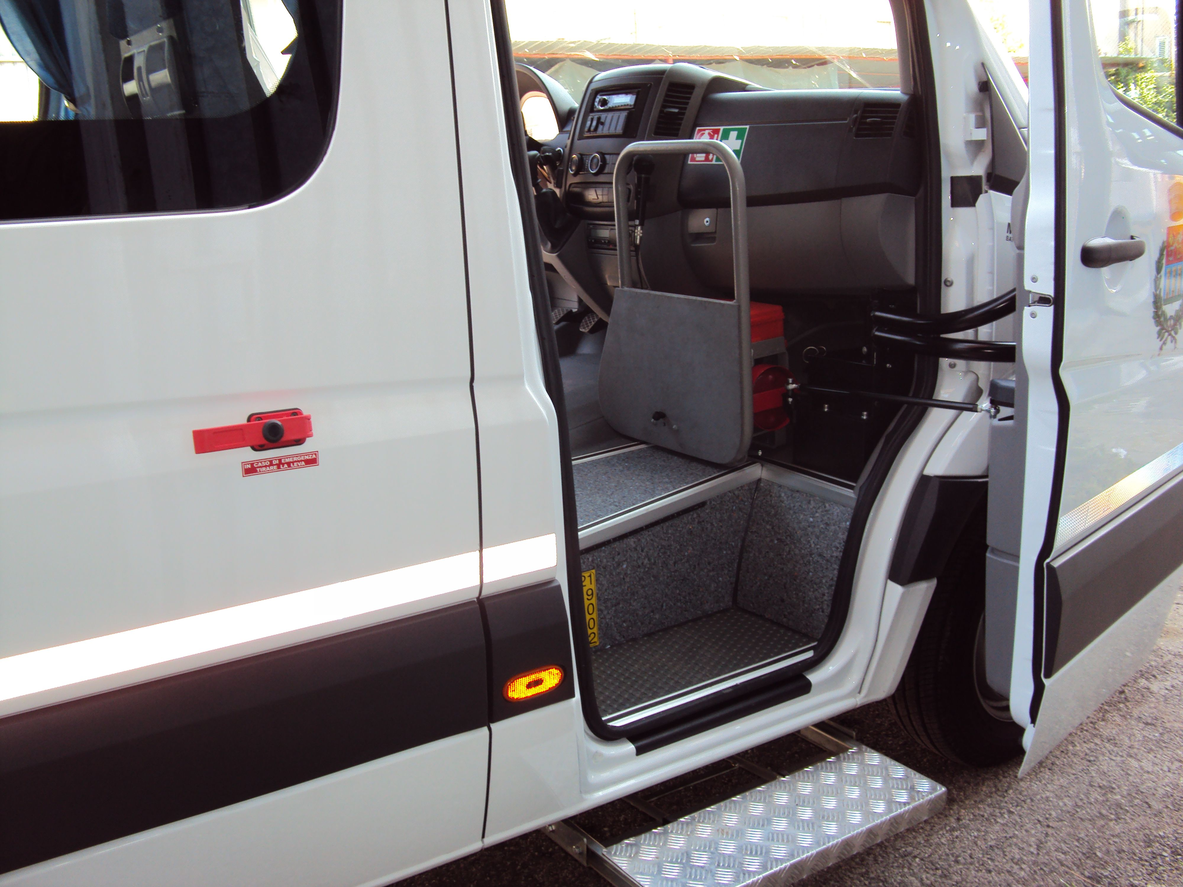 rampa di un minibus