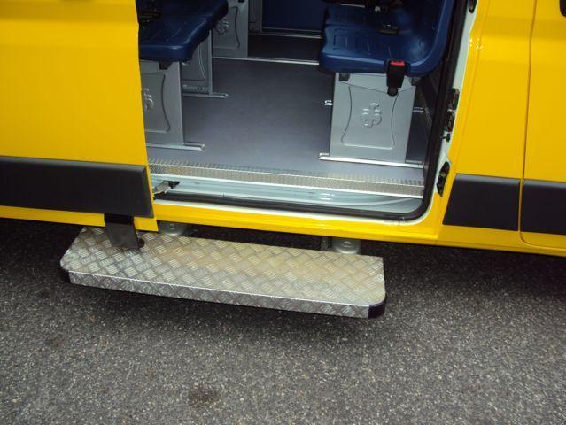 Rampa d'entrata di uno scuola bus