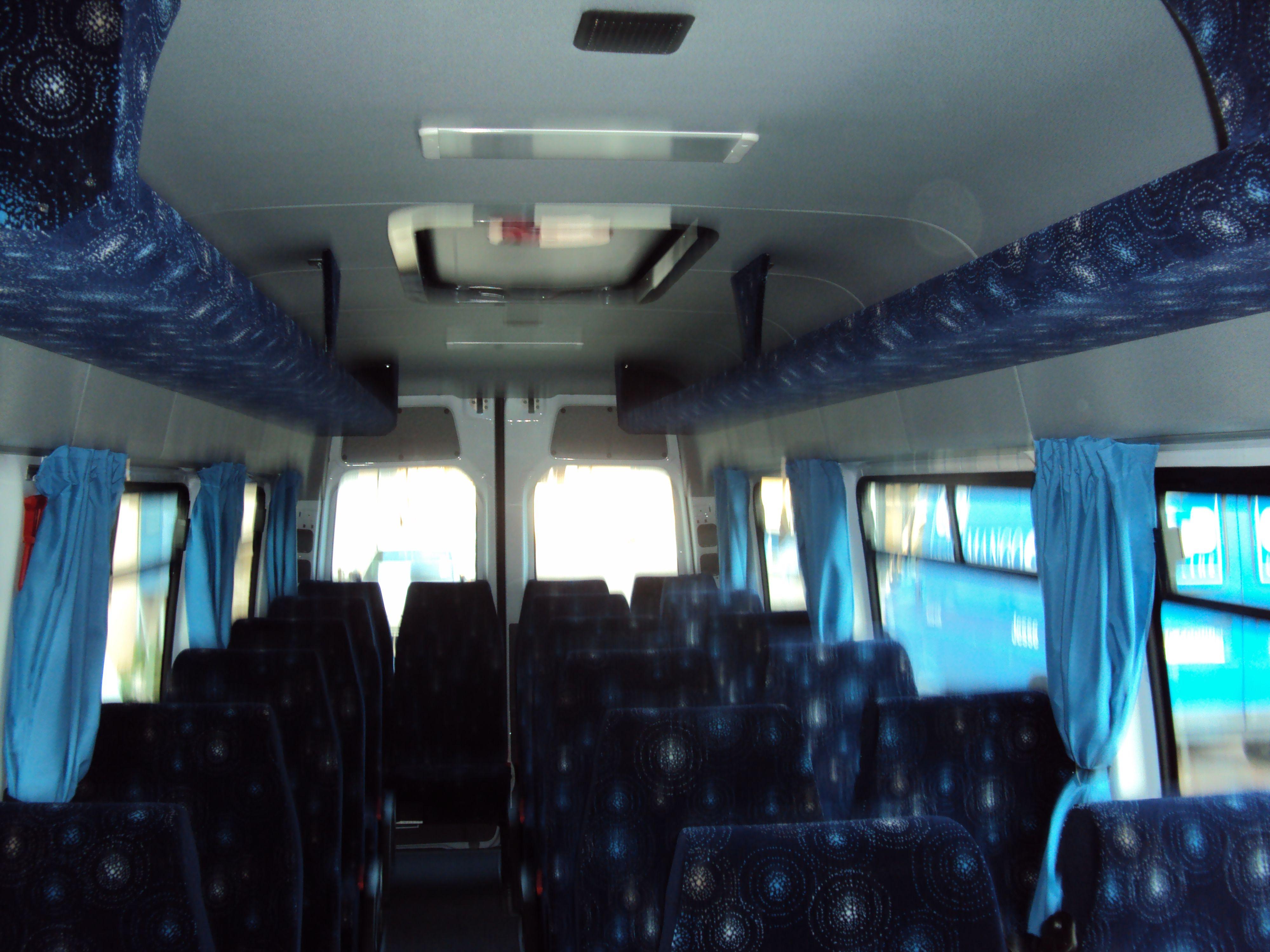un minibus