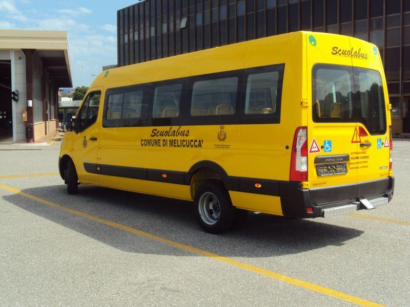 Scuolabus 28+1+1 a Battipaglia
