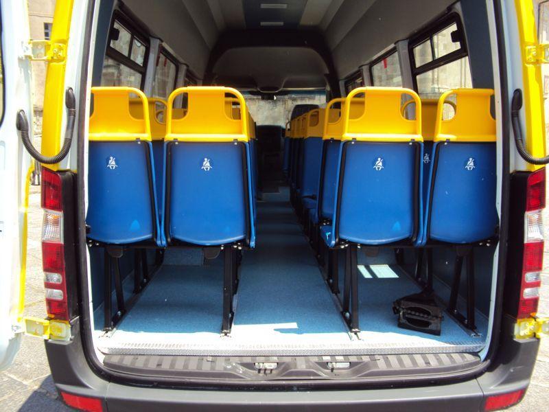 Entrata posteriore di un bus