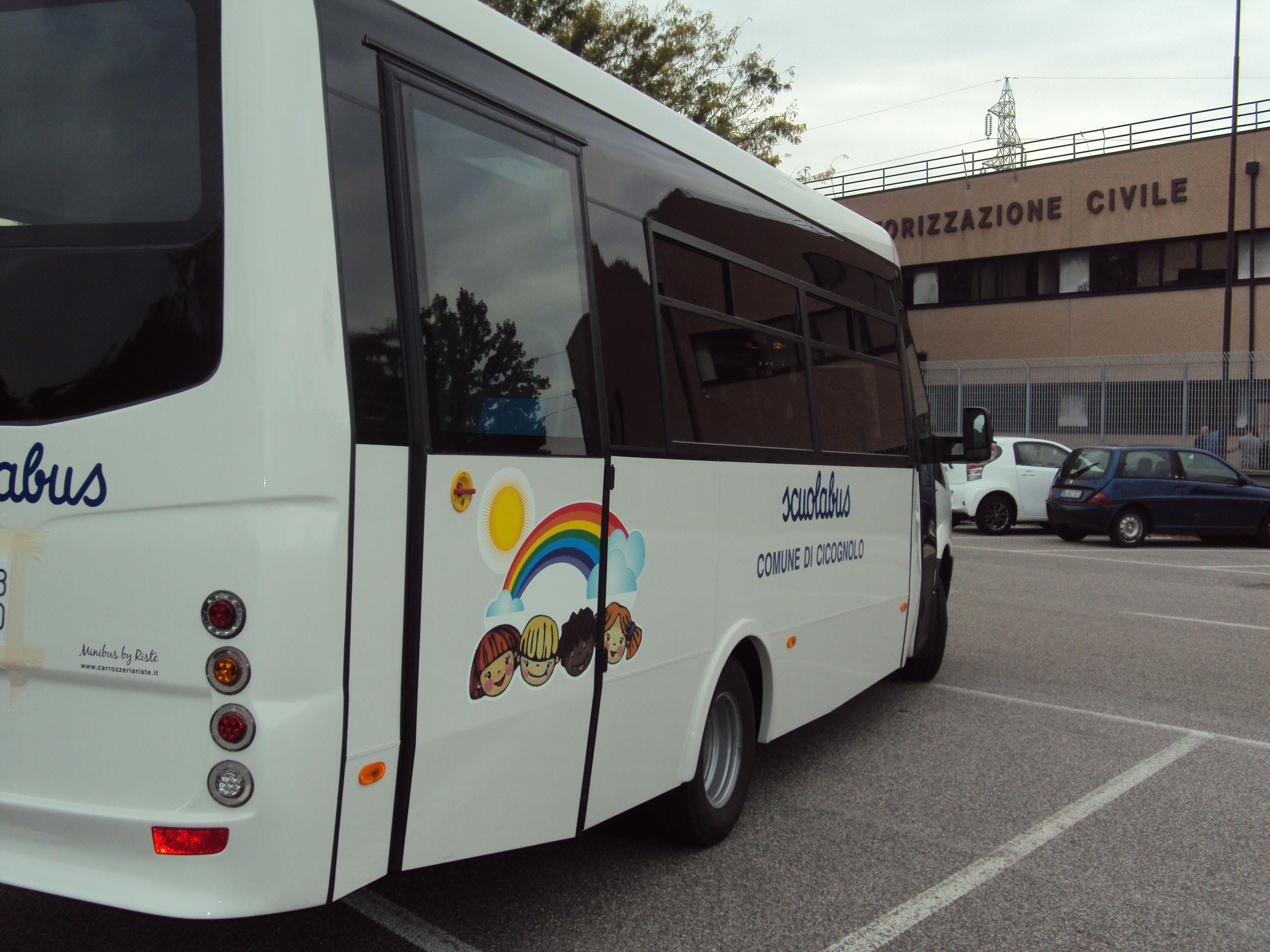 Un bus bianco