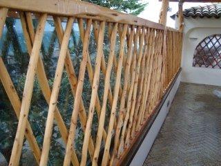 Ringhiere in legno artigianali Sardegna