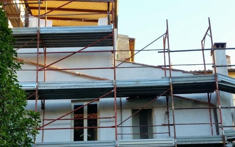impalcature per tinteggiatura facciata