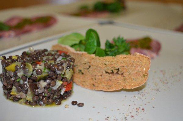un piatto a base di lenticchie