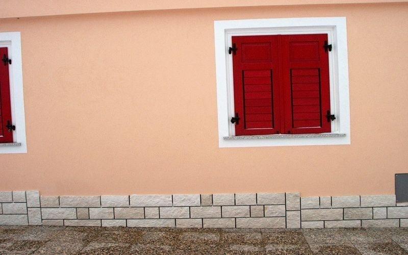 Muro e contorno finestra