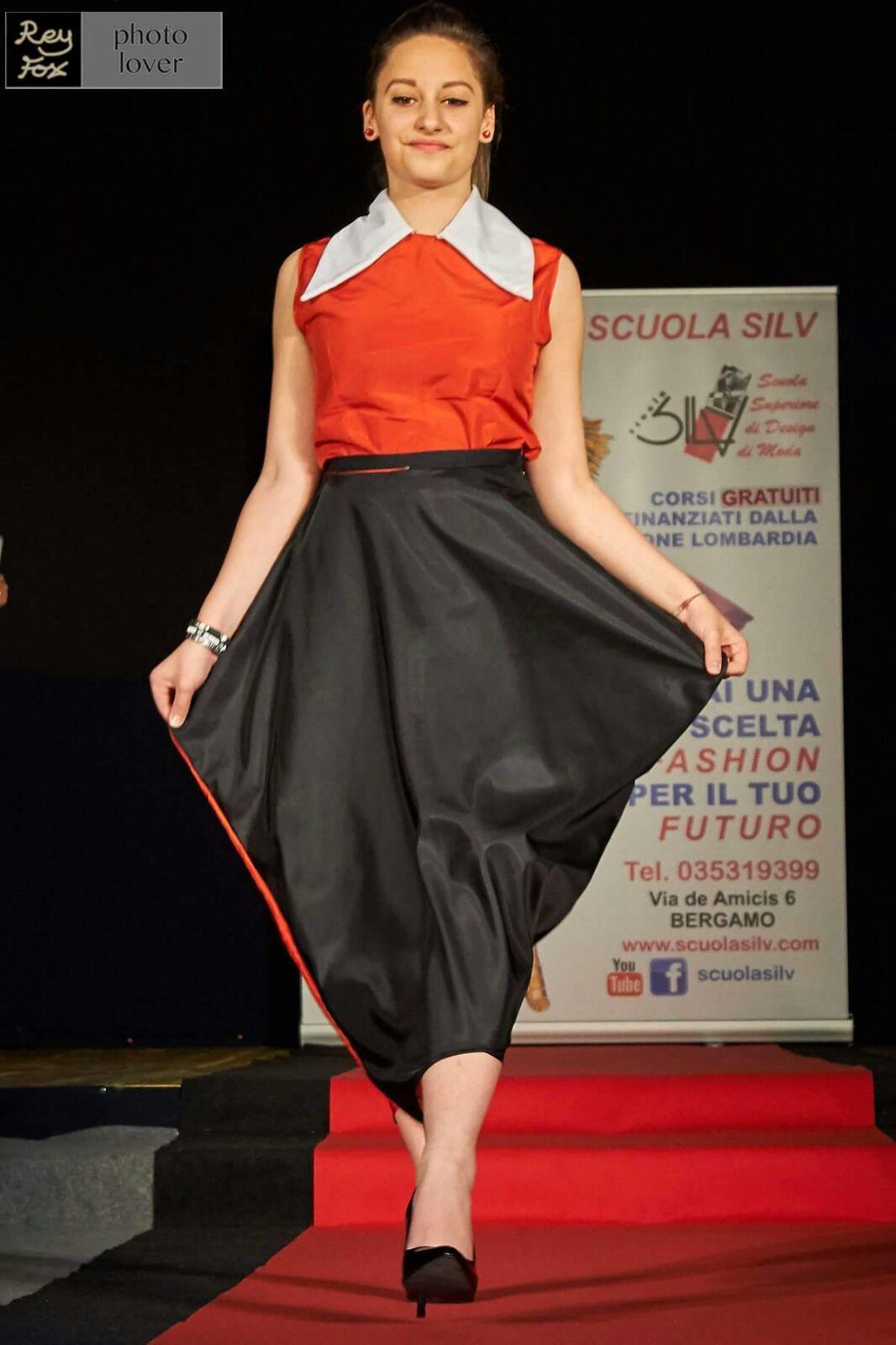 Vestito rosso-nero