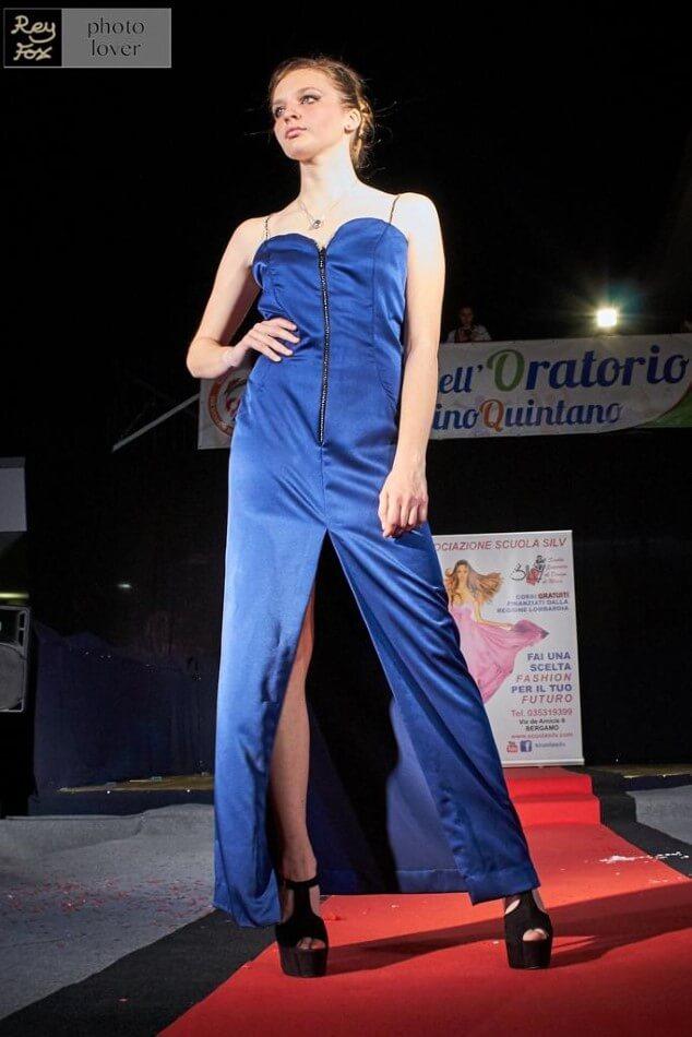 Vestito di moda blu
