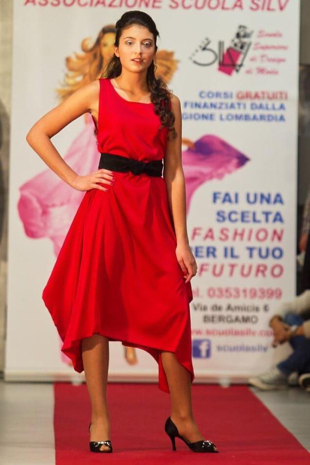 Sofisticato abito rosso