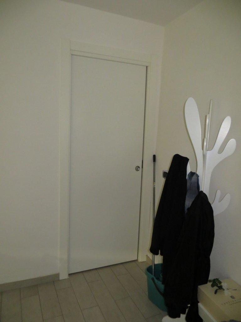 esposizione porta interna bianca Scrigno
