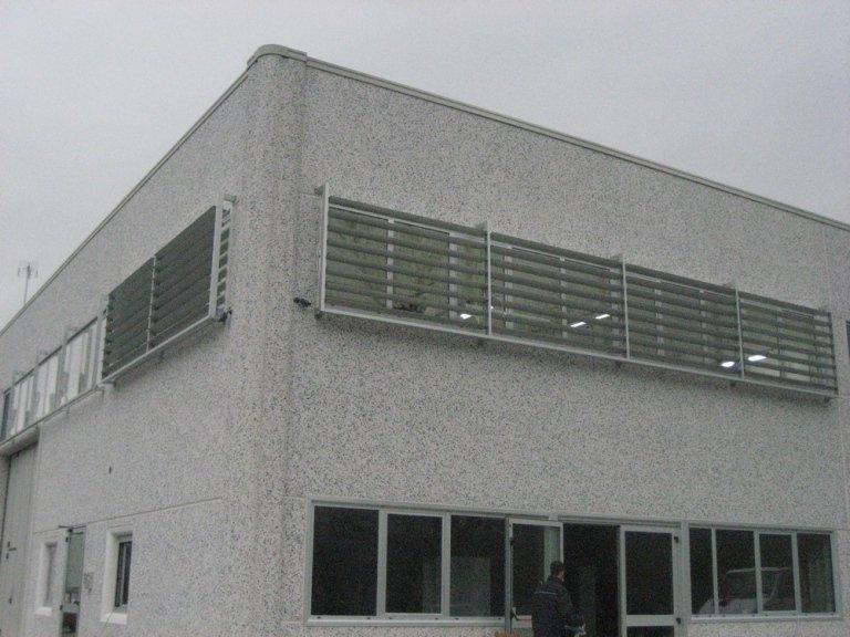 Frangisole per capannoni alluminio
