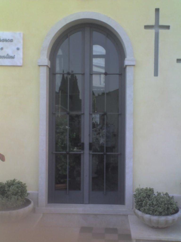 Porte interne zanzariere e porte sezionali terni viterbo - Cancello porta ingresso ...