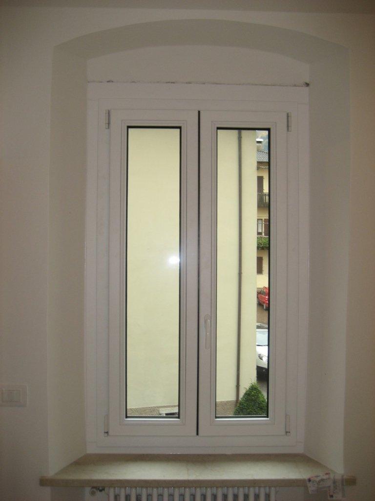 finestra chiusa alluminio legno