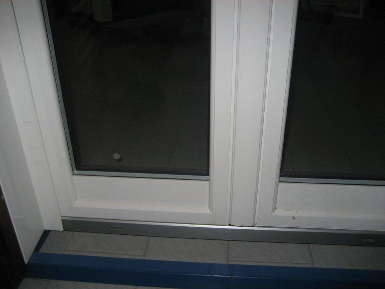 alluminio legno angolo finestra