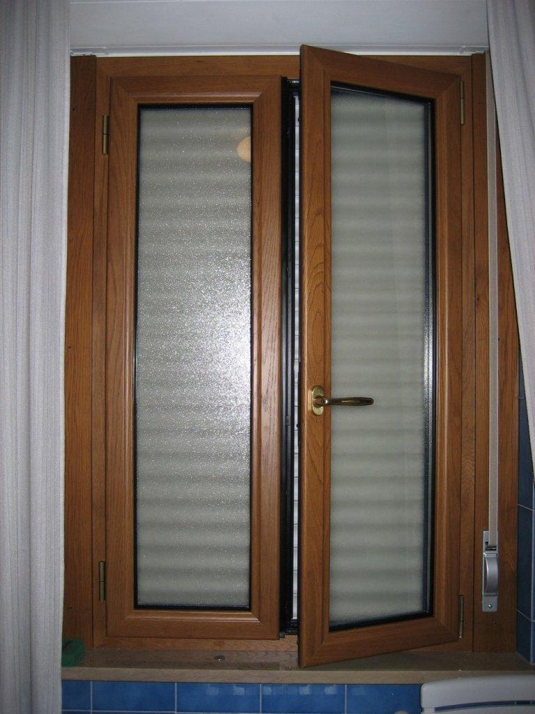 finestra legno alluminio con tapparella