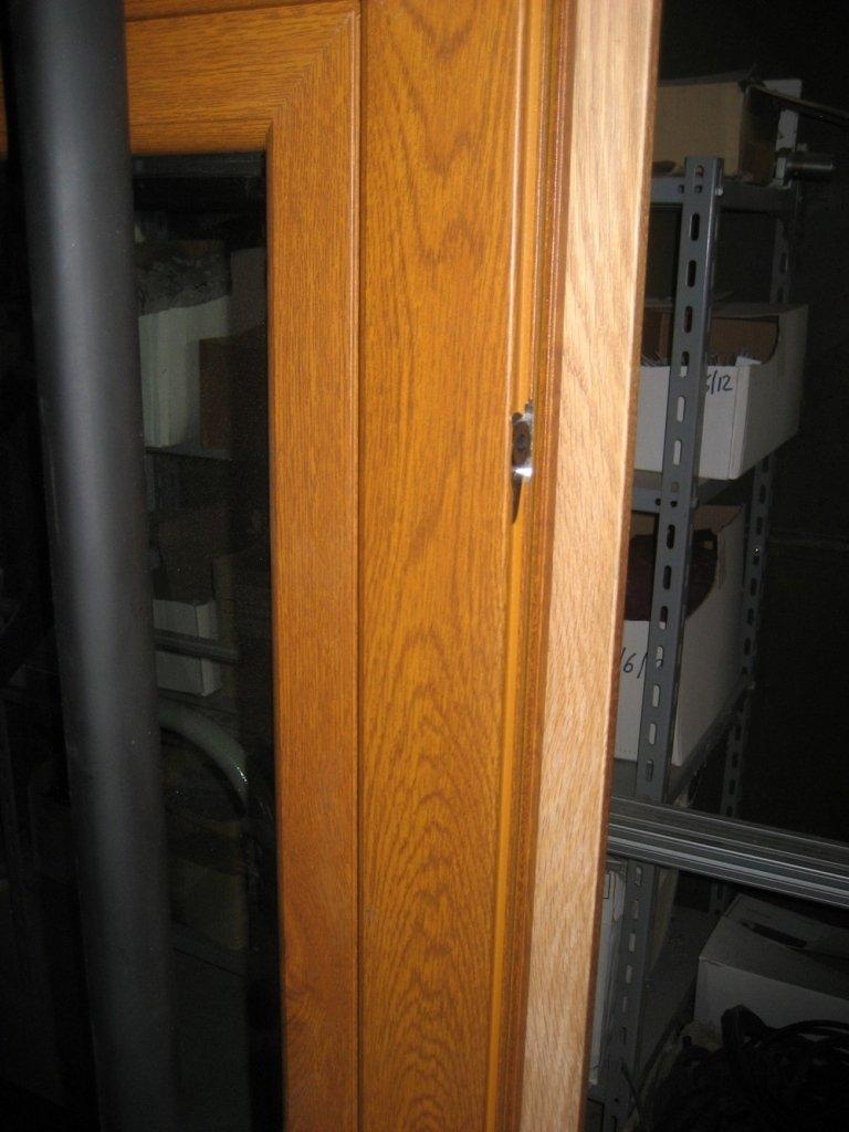 finestra marrone alluminio legno