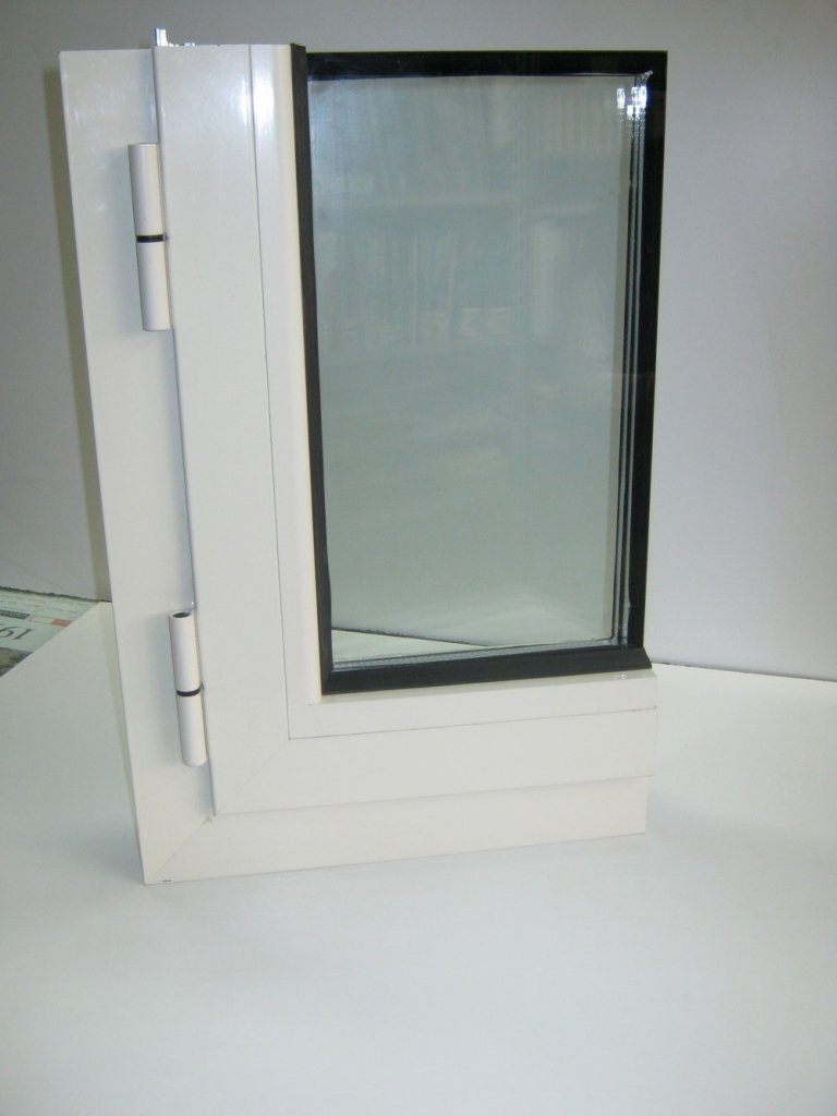 infisso alluminio angolare ad alto isolamento termo acustico