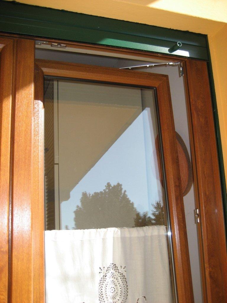 dettaglio finestra pvc