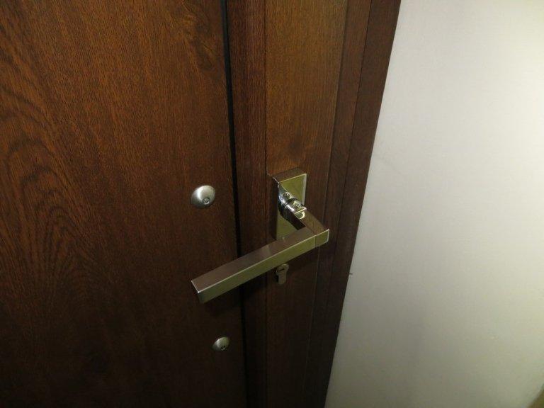 maniglia porta allumiinio Hoppe