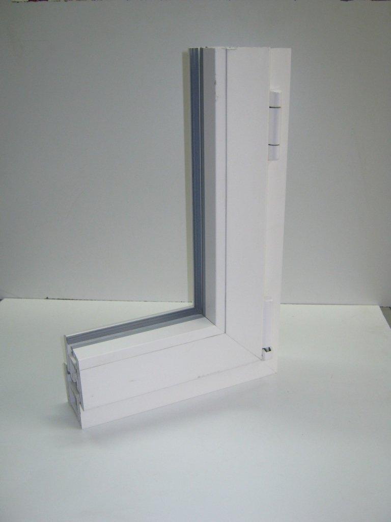 angolare pvc finestra Rehau
