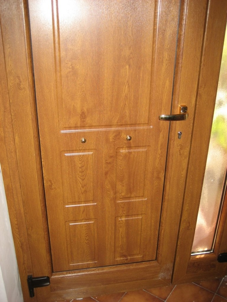 portoni pvc maniglia pellicolato legno