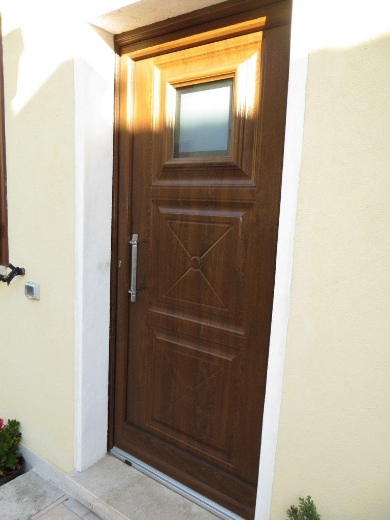 particolare laterale porta pvc