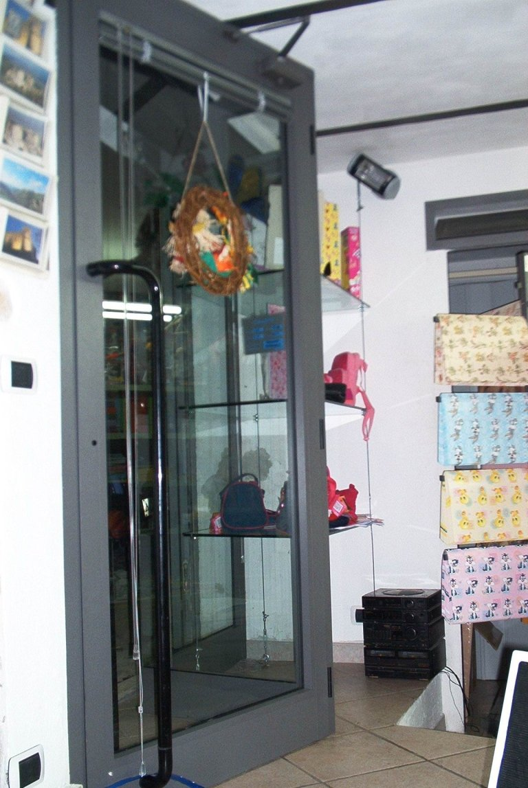 Vetrina per negozio Terni Viterbo Orvieto Amelia