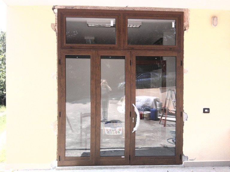porta ingresso vetrata in alluminio Terni Viterbo Orvieto Amelia