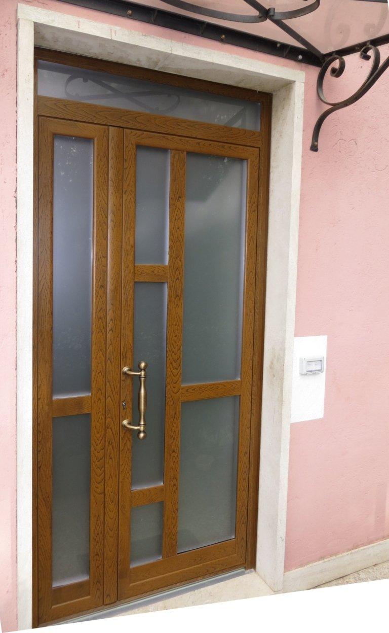 portone vetrato finto legno noce Terni Viterbo Orvieto Amelia