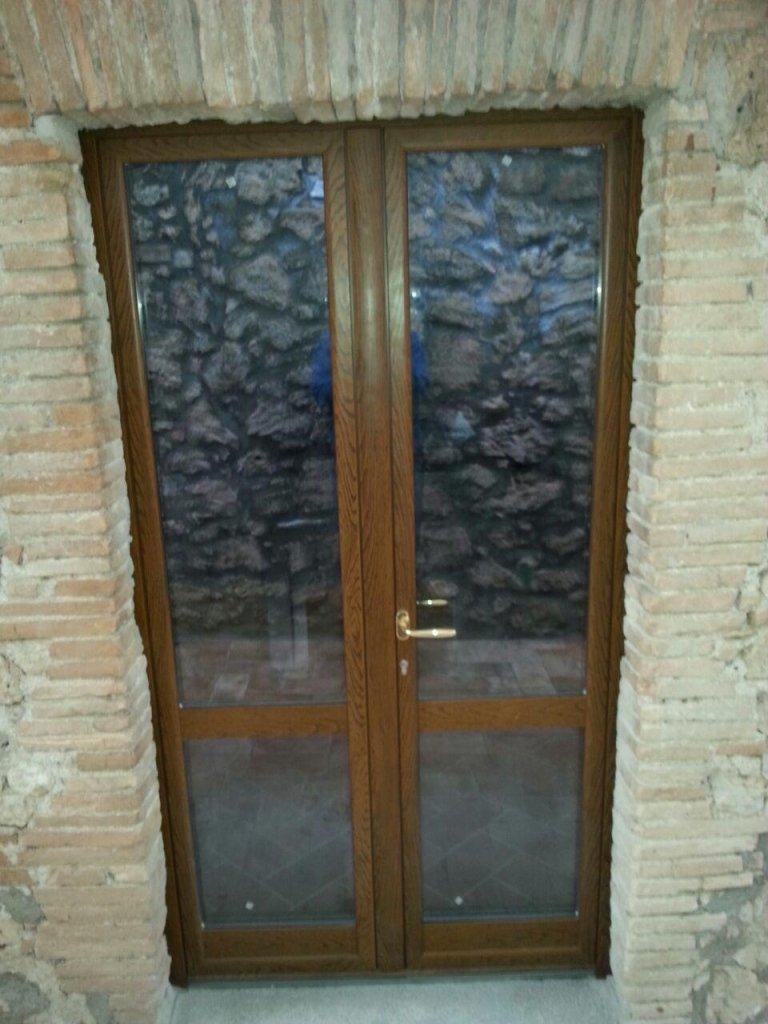 portone vetrato alluminio Amelia Orvieto Viterbo Terni