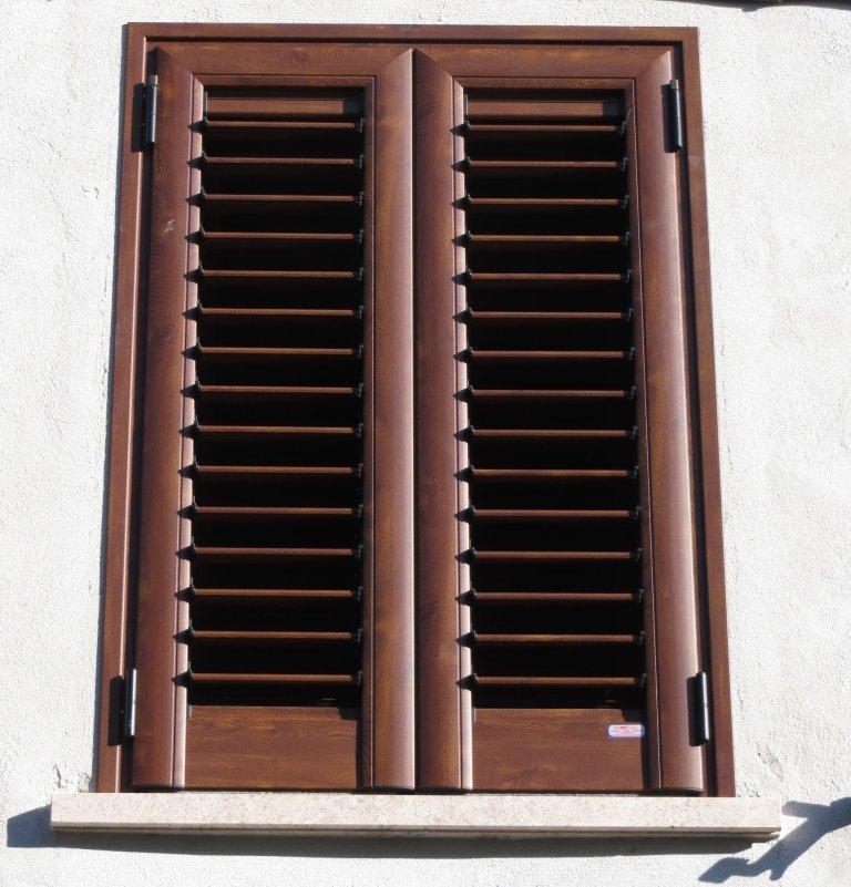 persiana orientabile alluminio finto legno kikau arkus k80