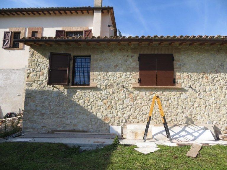Portelloni senza manutenzione come legno Terni Viterbo Orvieto