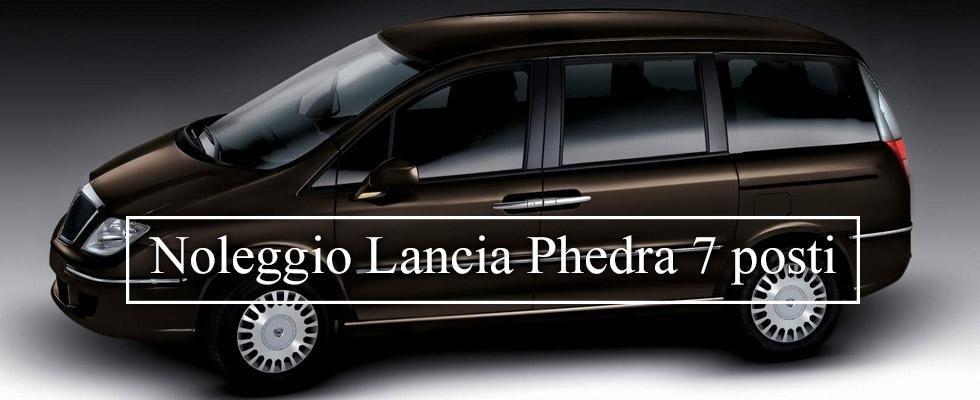 Noleggio Lancia Phedra 7 posti
