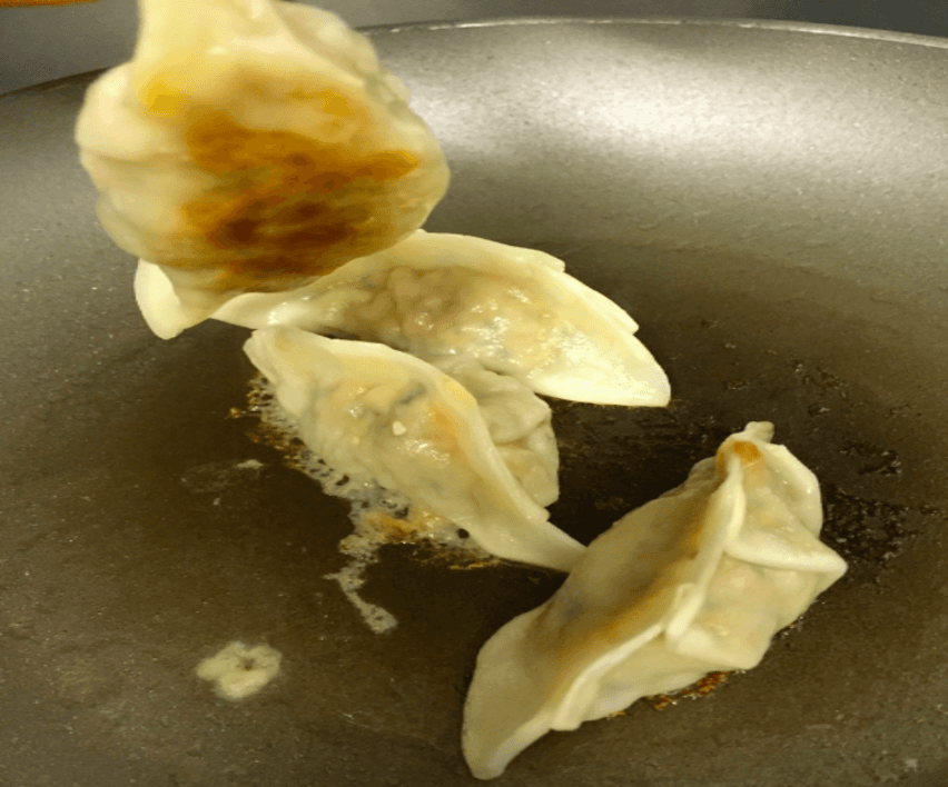 how to cook frozen gyoza