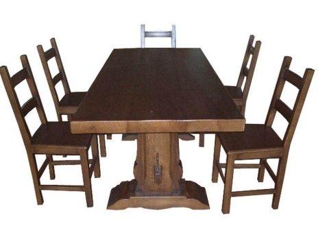 tavolo legno scuro