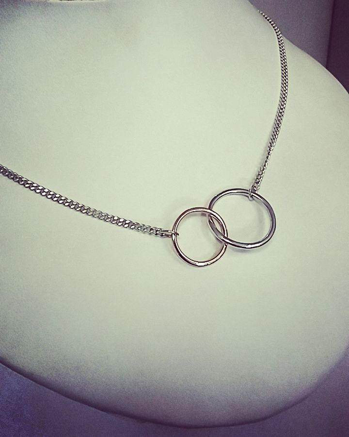 rings pendent chain