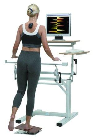 donna durante un controllo posturale