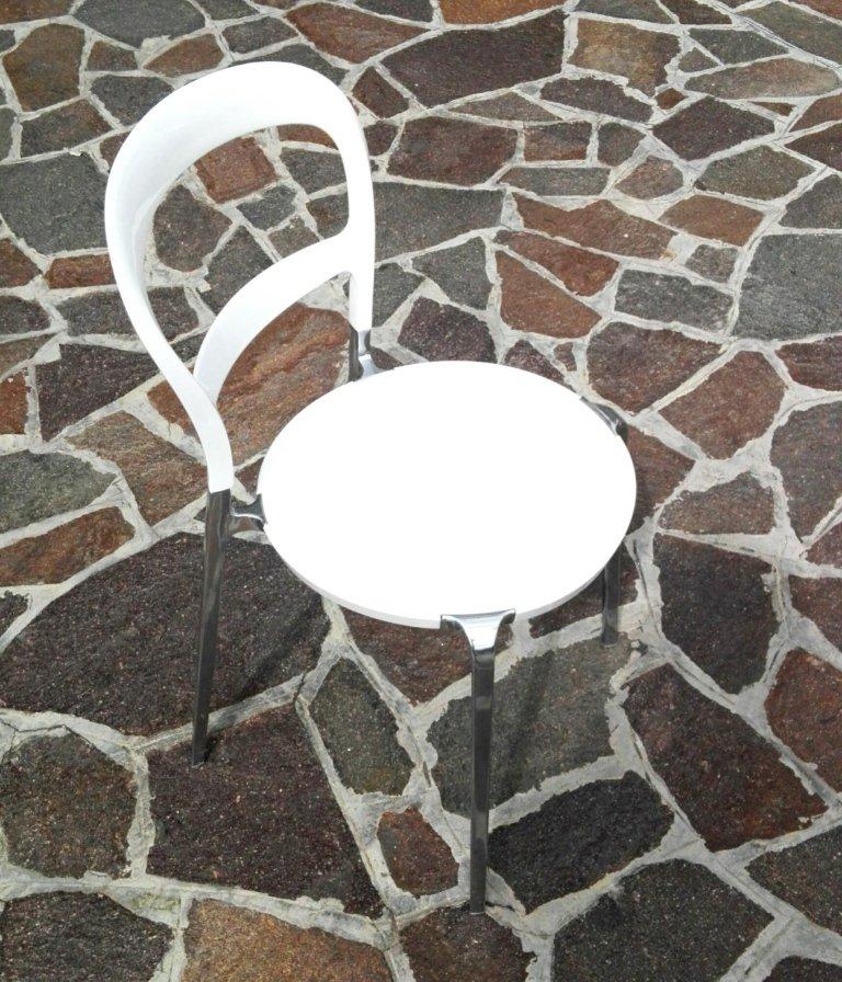 Sedie che permettono di rendere ancora più completi gli ambienti della sua casa. Qui vuole sedersi ?