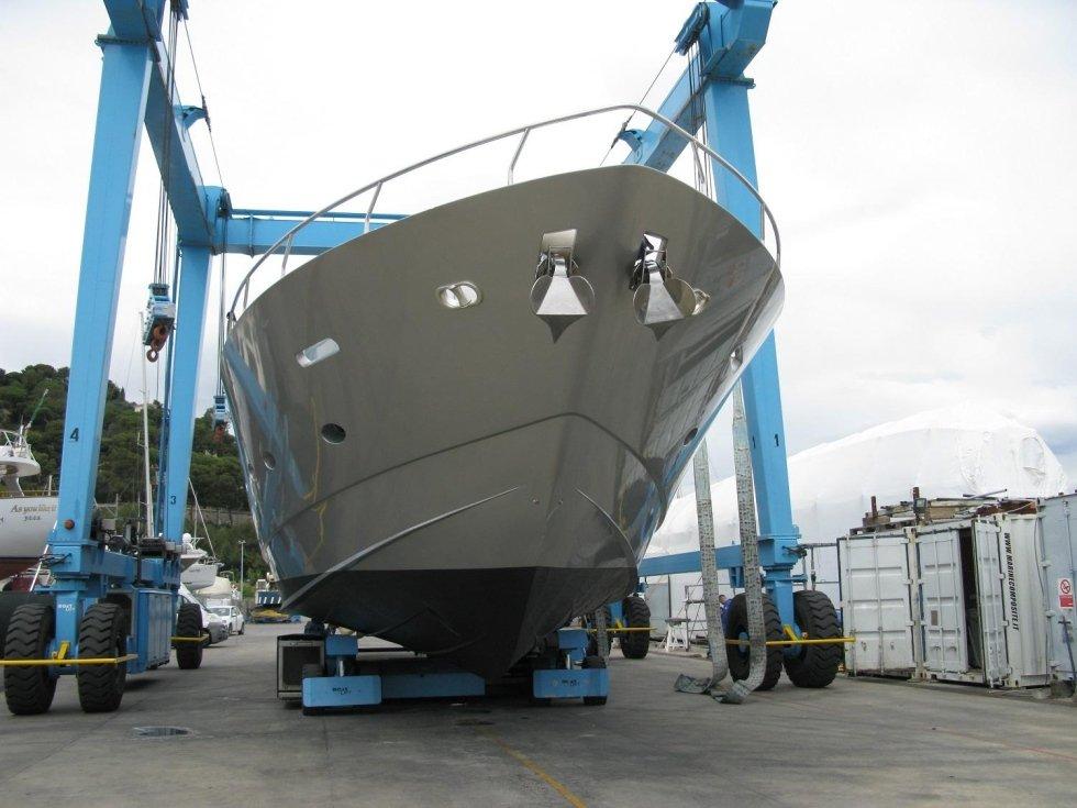 alaggio yacht
