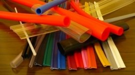 manici plastica, profili plastica borse, bordure per borse