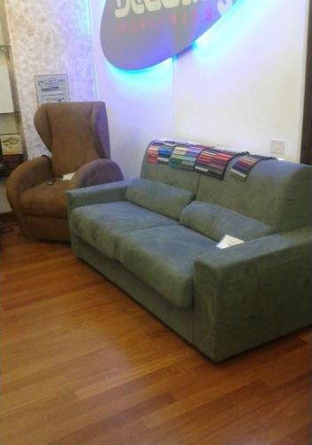 divano letto verde