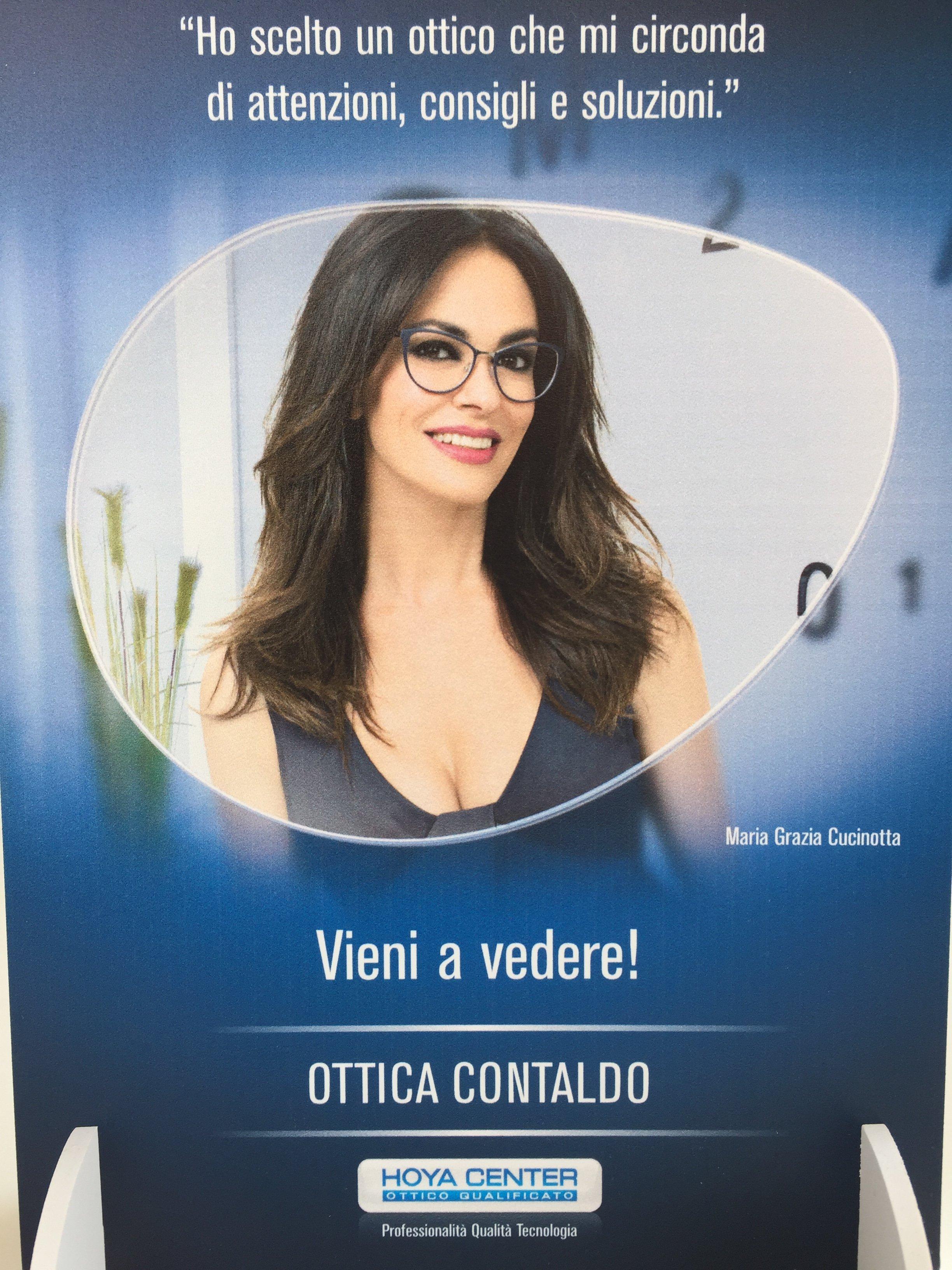 pubblicità di occhiali con Maria Grazia Cucinotta