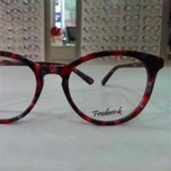 vista frontale occhiali da vista