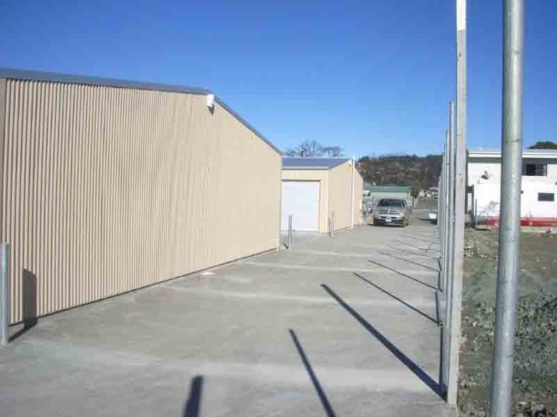 Side view of a storage unit