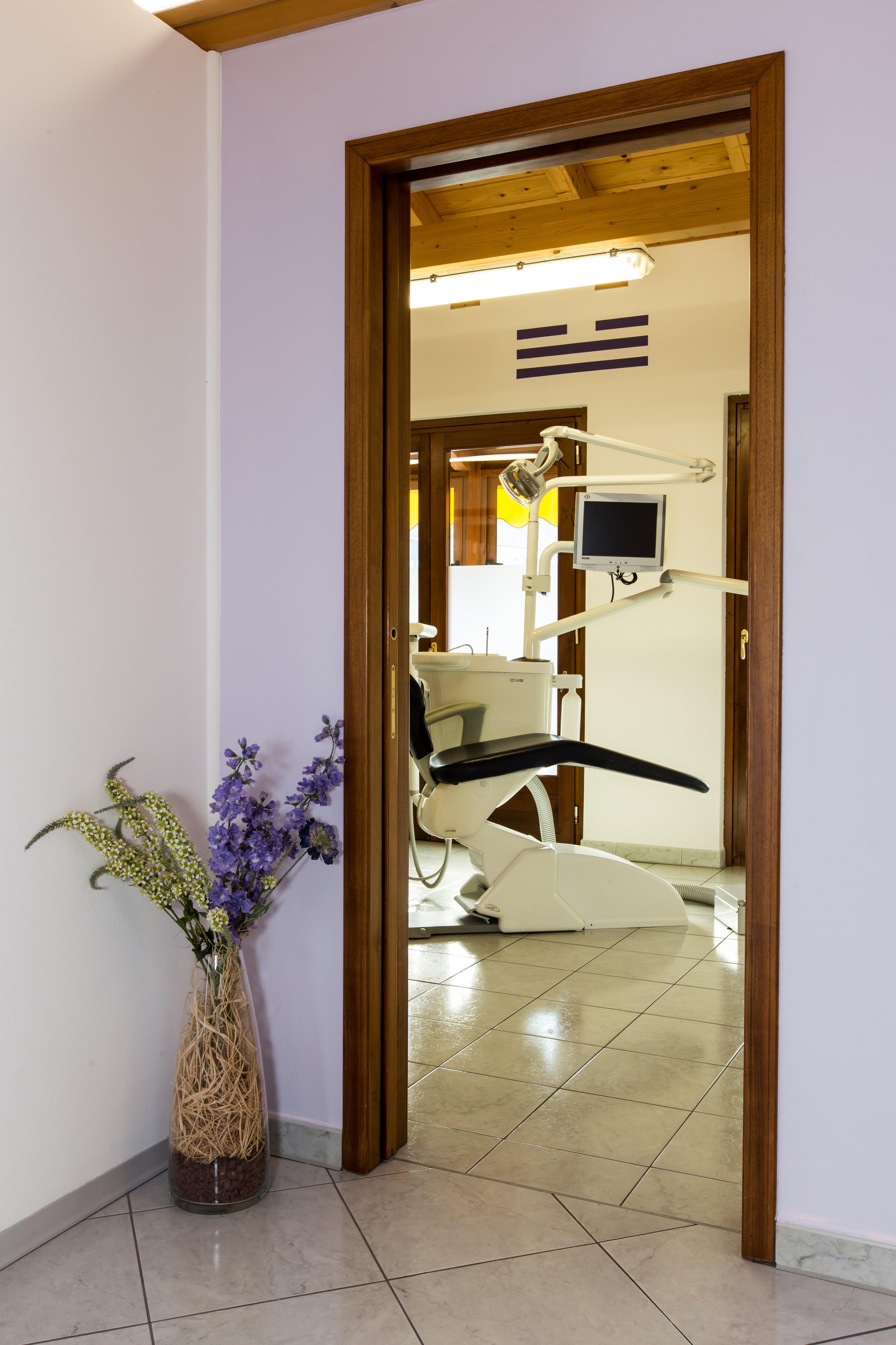 ingresso alla sala dello Studio Dentistico Benvegnù ad Arten, Belluno