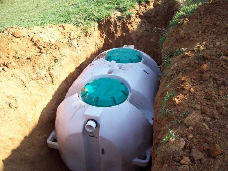 Septic tank cleaning adelaide hills septic king for How big a septic tank do i need