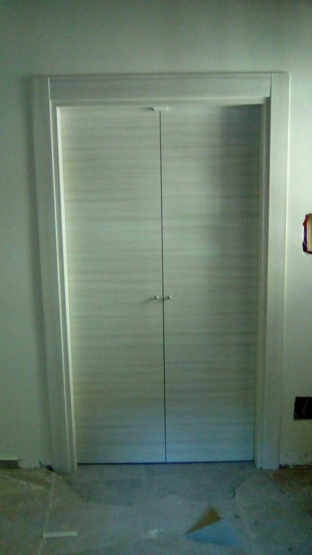 realizzazione e vendita di porte per interni, scorrevoli, due e tre ante, a soffietto, in vetro, decorate, stampate