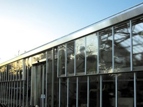 windo -cleaning - bourne - rob irving window cleaning - glass building